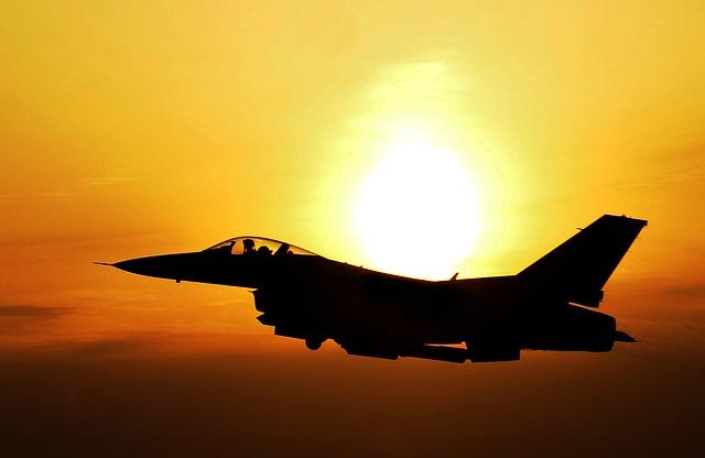 戦闘機画像